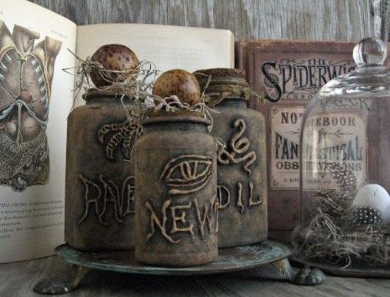 beautiful-vintage-halloween-decor-ideas-26-554x422