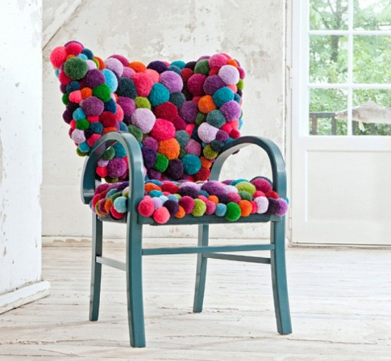 lovely-pompom-decor-ideas-for-your-interior-12