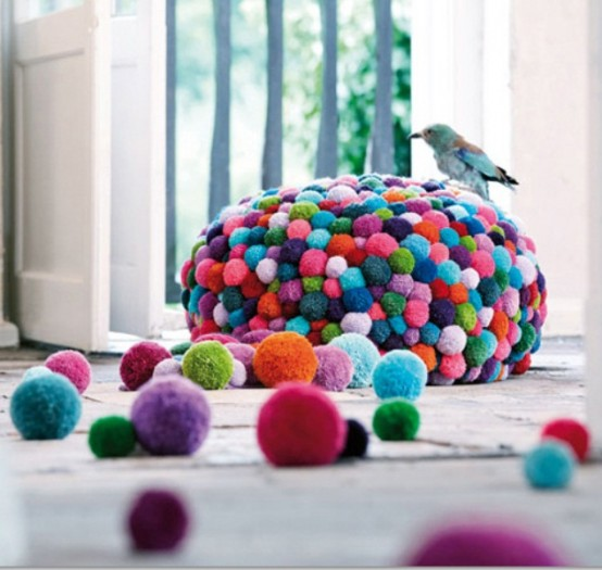 lovely-pompom-decor-ideas-for-your-interior-14