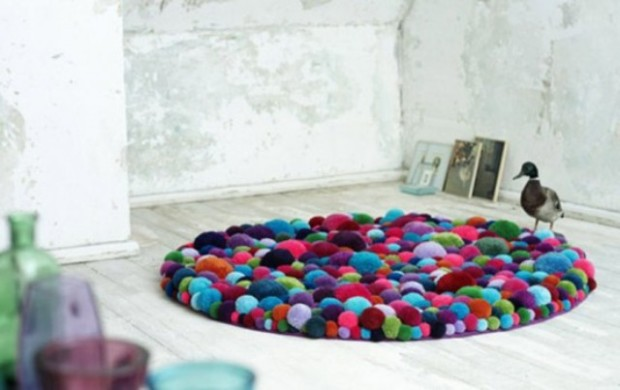 lovely-pompom-decor-ideas-for-your-interior-16