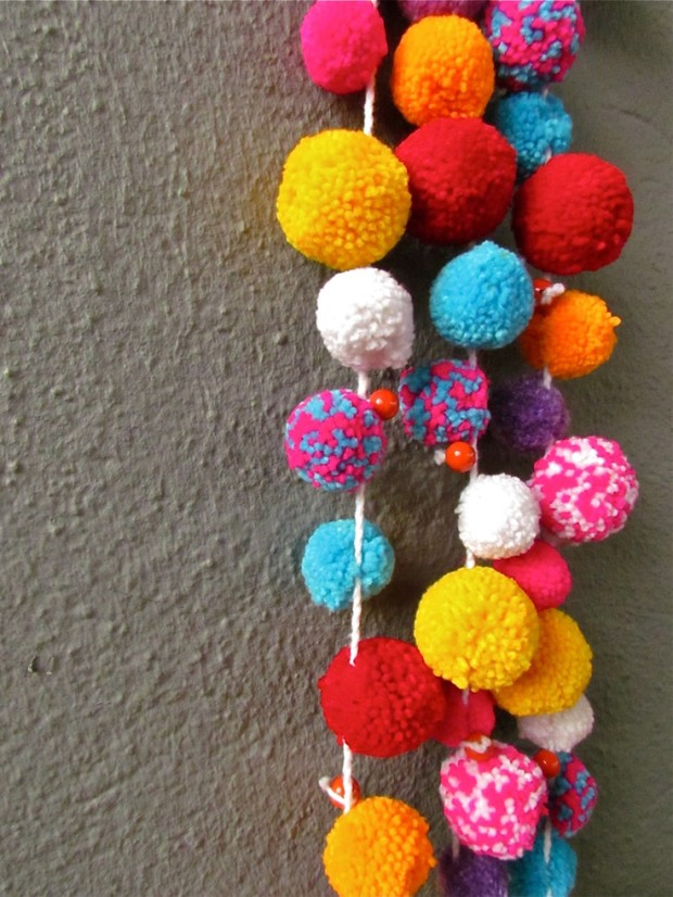 lovely-pompom-decor-ideas-for-your-interior-19