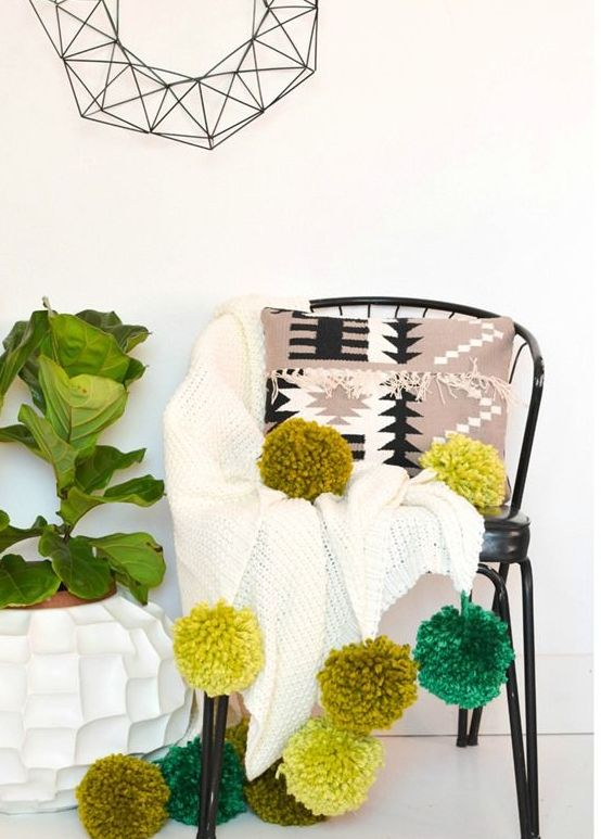lovely-pompom-decor-ideas-for-your-interior-21