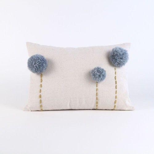 lovely-pompom-decor-ideas-for-your-interior-22