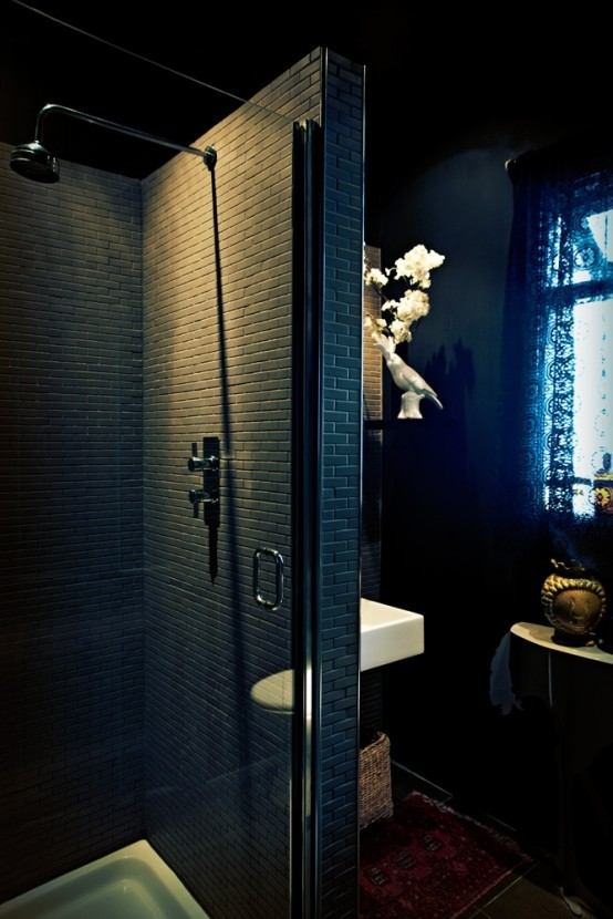 dramatic-gothic-bathroom-design-ideas-15-554x830