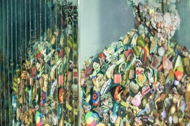 3D-Collages-Encased-in-Layers-of-Glass10-640x427