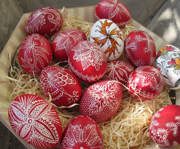 Easter-eggs-crafts-how-to-make-ukrainian-eggs-tutorial