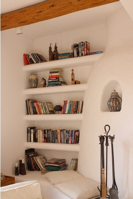 built-in-bookshelves-ideas-for-your-home-decor-12