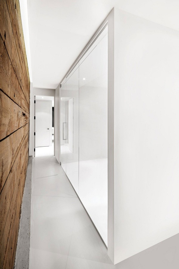 interior-walls-design-white-and-wood-contrast-rustic-elements-Espace-St-Denis
