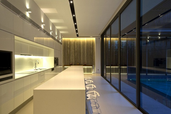 modern-kitchen-design-glossy-island-wall-decoration-recessed-lighting-Centennial-Tree-House