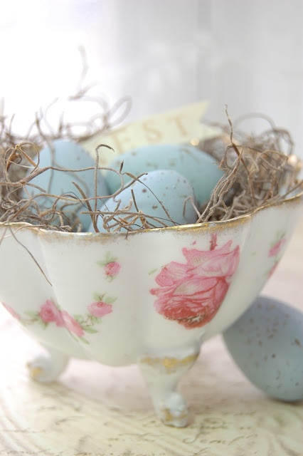 charming-vintage-easter-decor-ideas-22