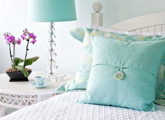cool-turquoise-home-decor-ideas-19-554x404
