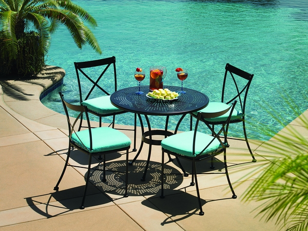 home-exterior-design-swimming-pool-furniture-ideas-round-iron-table-chairs
