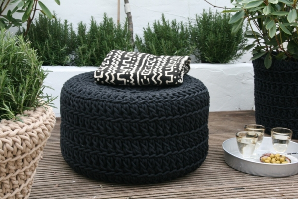 DIY-chair-for-garden-recycled-car-tire-re-use