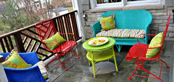 Garden-furniture-ideas-colourful-patio-seating-area