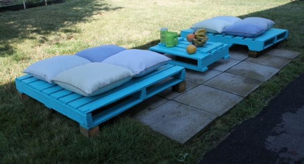 Picnic-furniture-blue-colored-cushions
