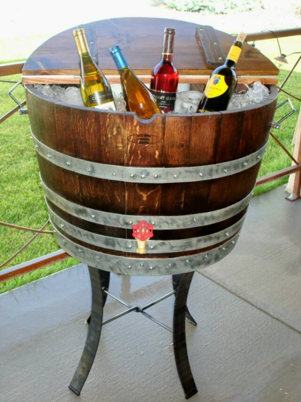 Wine-barrel-cool-bottles