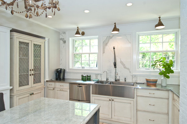 traditional-kitchen-design-modern-stainless-steel-countertops