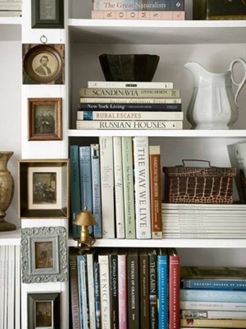 how-to-display-books-with-style-5-tips-and-examples-17