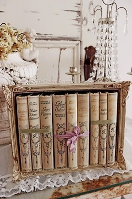 how-to-display-books-with-style-5-tips-and-examples-8