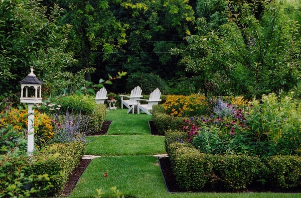 Traditional-english-garden-design-and-element