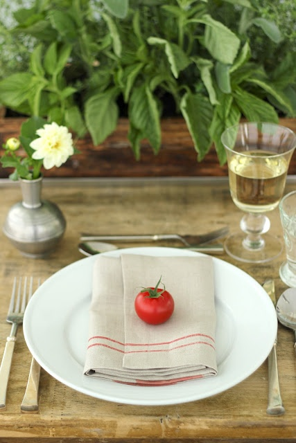 awesome-midsummer-table-settings-15