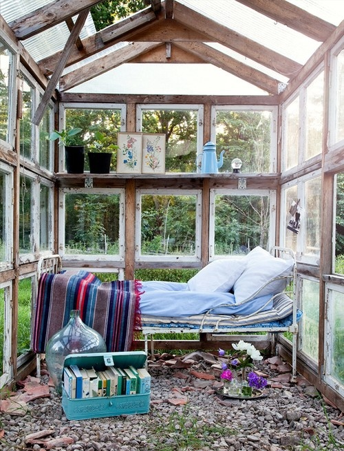dreamy-outdoor-bedroom-designs-3