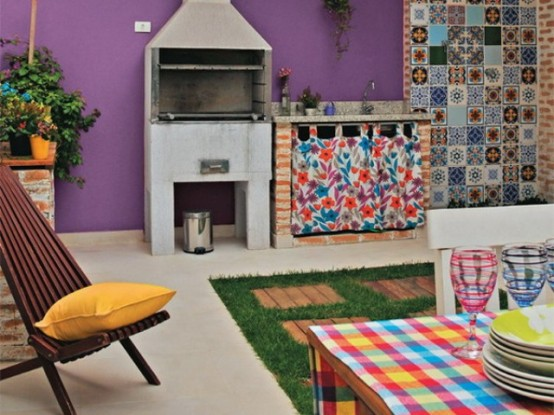 lively-multicolored-house-of-a-brazilian-designer-7-554x415