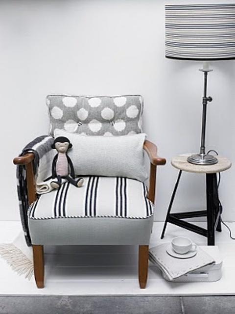 mixed-upholstery-furniture-pieces-21