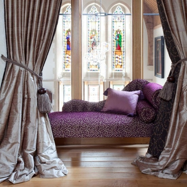 Small-bedroom-decorating-ideas-romantic-purple-daybed-rich-curtains