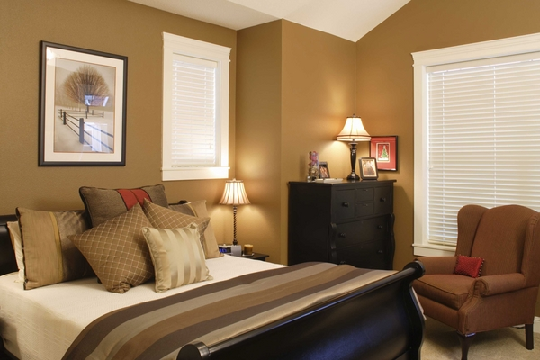 small-bedroom-decorating-ideas-small-bedroom-ideas-color-palette-beige-brown