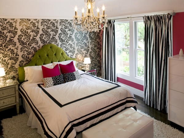 small-bedroom-ideas-for-decoration-accent-wallpaper-black-and-white