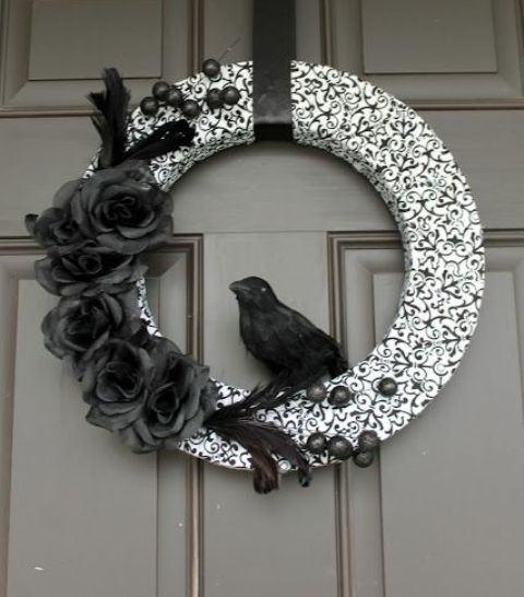 cool-halloween-wreaths-for-any-space-1