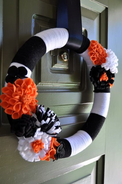 cool-halloween-wreaths-for-any-space-12