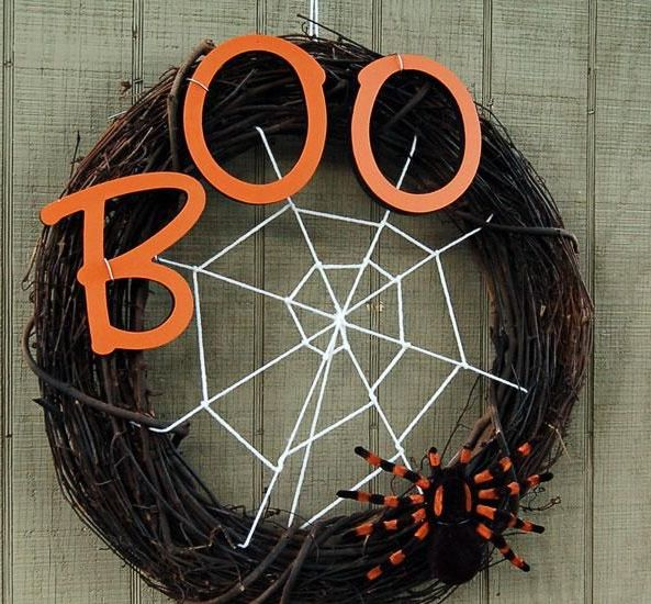 cool-halloween-wreaths-for-any-space-22