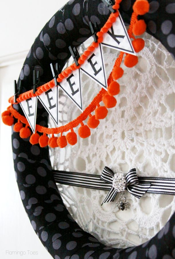 cool-halloween-wreaths-for-any-space-25