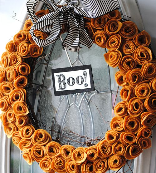 cool-halloween-wreaths-for-any-space-26