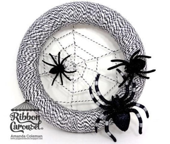 cool-halloween-wreaths-for-any-space-39