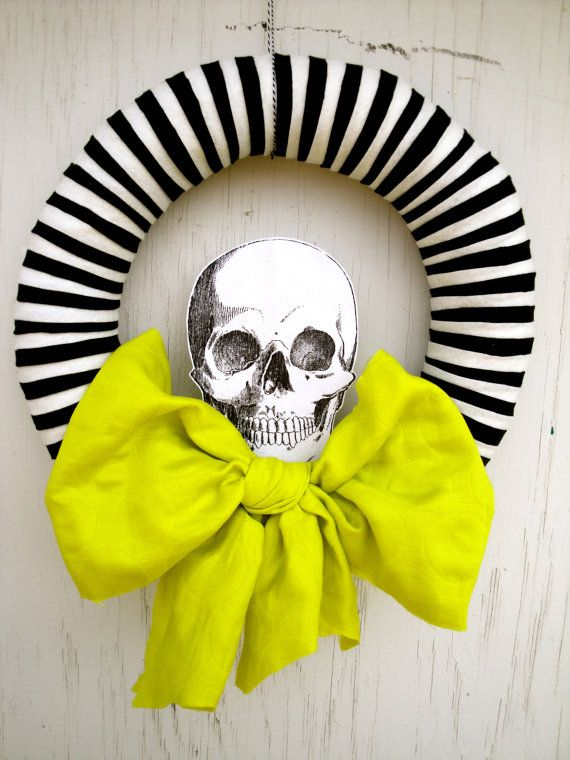 cool-halloween-wreaths-for-any-space-8