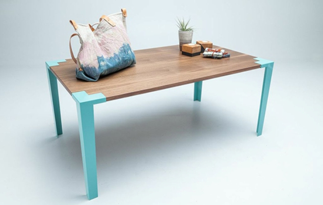 customizable-tall-and-short-tables-to-suit-any-environment-2