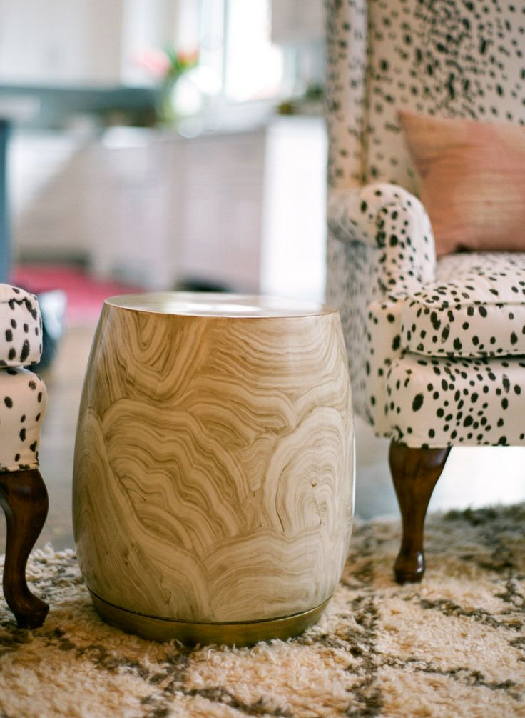 refined-marble-furniture-pieces-for-home-decor-4