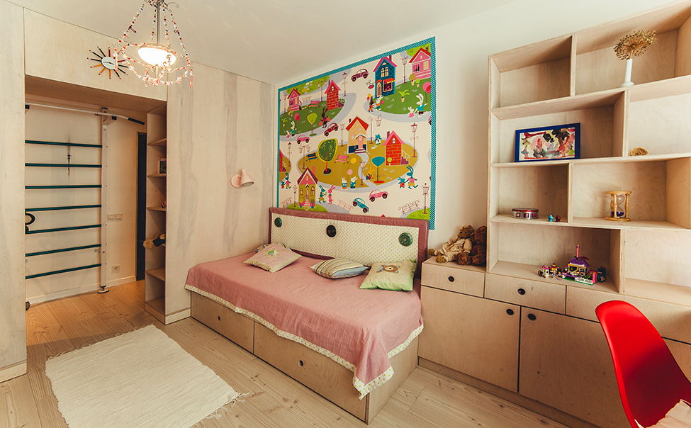 spacious-kiev-apartment-decorated-with-an-artistic-twist-14