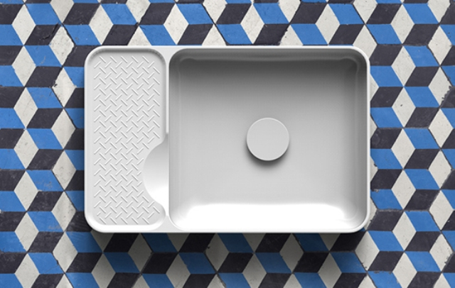 white-bathroom-appliances-with-patterns-and-textures-1