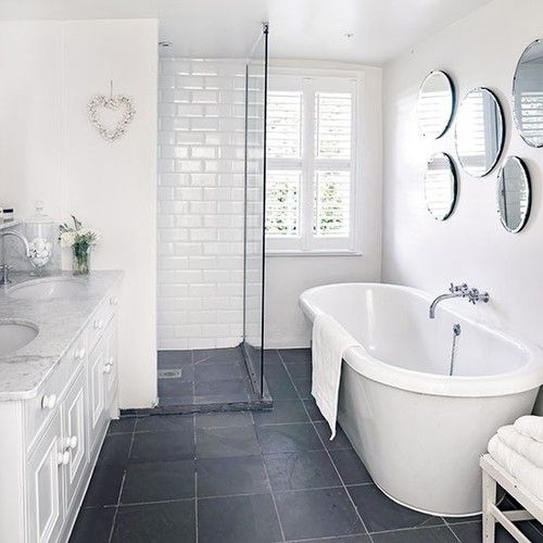 white-bathroom-appliances-with-patterns-and-textures-16