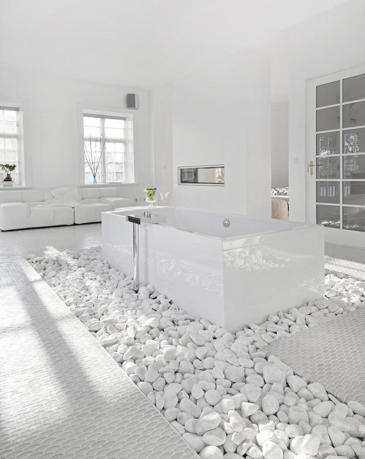 white-bathroom-appliances-with-patterns-and-textures-18