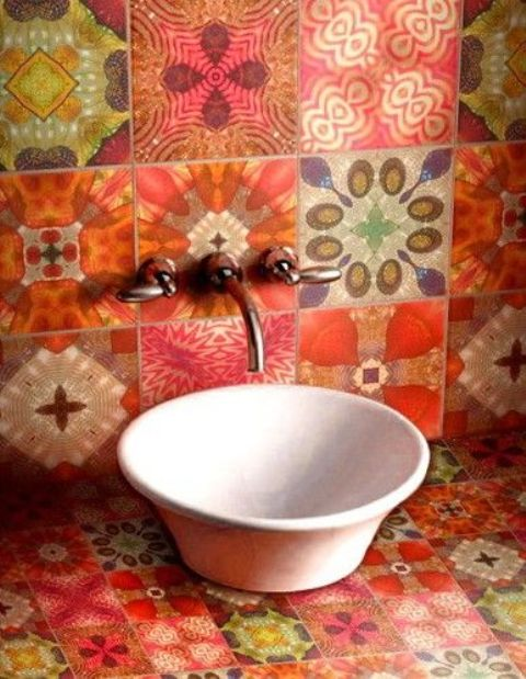 white-bathroom-appliances-with-patterns-and-textures-19