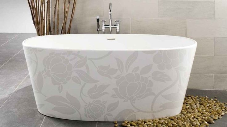 white-bathroom-appliances-with-patterns-and-textures-8