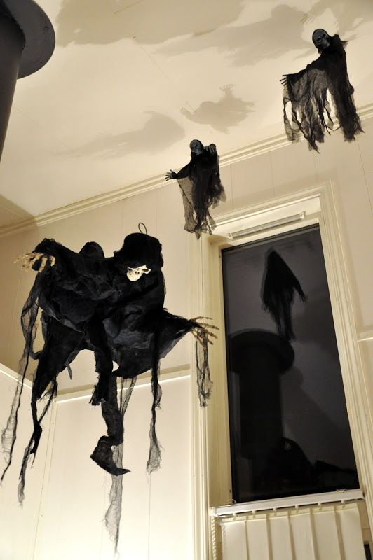 awesome-halloween-indoor-decor-ideas-28