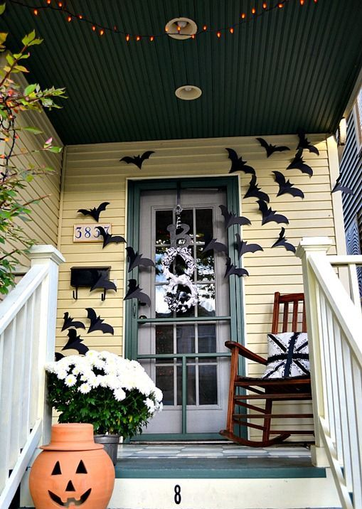 cool-halloween-front-door-decor-ideas-1