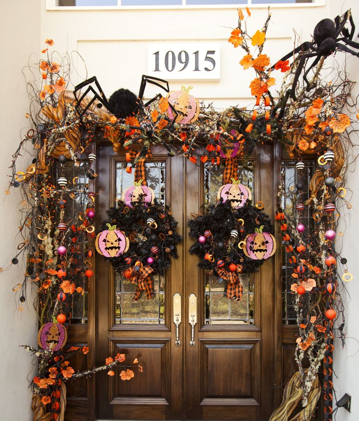 cool-halloween-front-door-decor-ideas-10