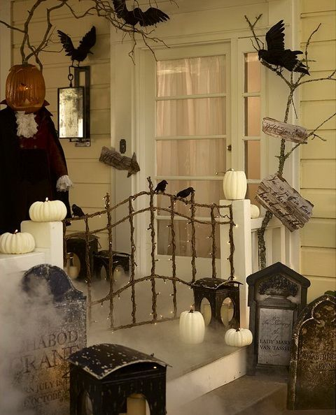 cool-halloween-front-door-decor-ideas-15